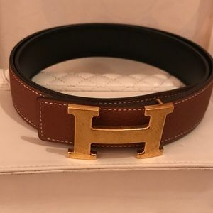 Hermès signature leather belt.